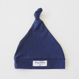 WHITE KNOTTED BEANIE - navy